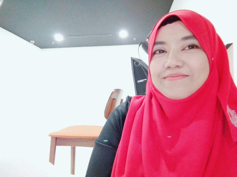 Fauzila Abdul Latiff, Group Desk Officer, 20 years working at AirAsia