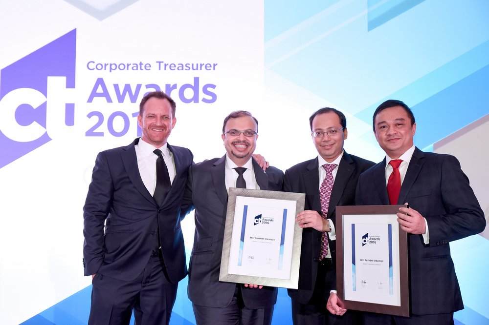 AirAsia leads the way with the 'Best Payment Strategy' at the 2016 Corporate Treasurer Awards.jpg