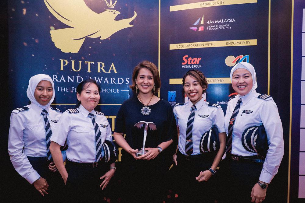 Putra Brand Awards 2017 - Gold category transportation, travel & tourism