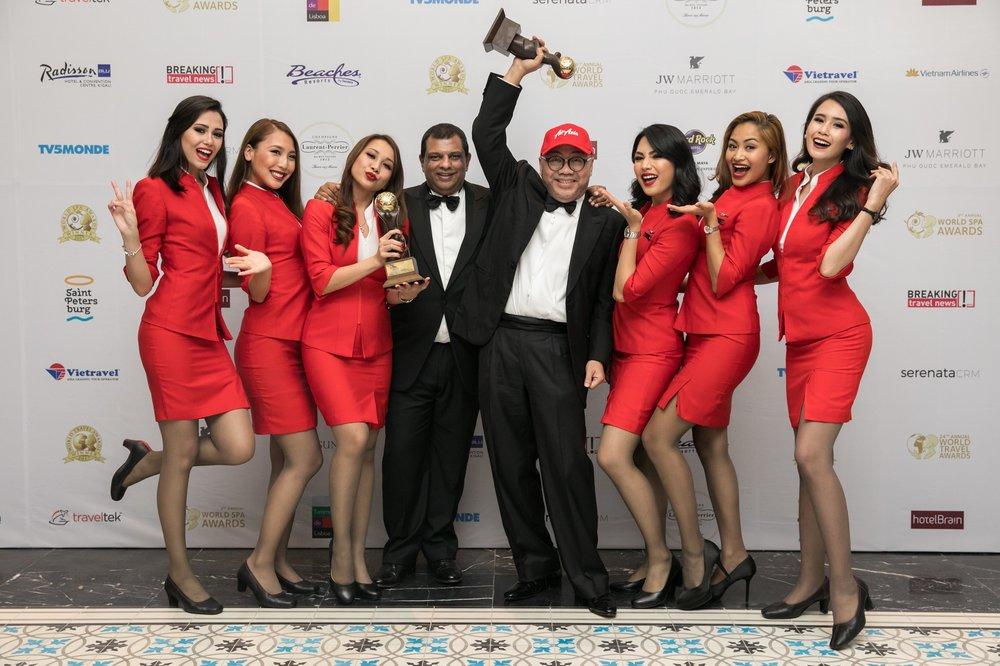 12 AirAsia Wins Two Awards At 2017 World Travel Awards Grand Final.jpg