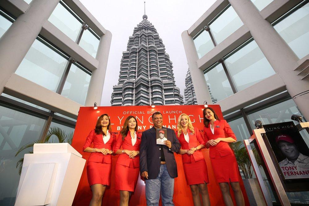 10 AirAsia Group CEO Launches Memoirs.jpg