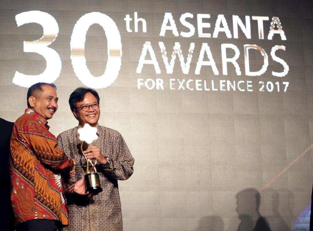 08 ASEANTA Awards 2017 - AirAsia.JPG