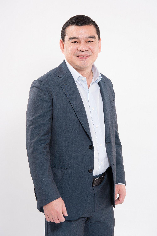 Mr Santisuk Klongchaiya, CEO of AirAsia Thailand