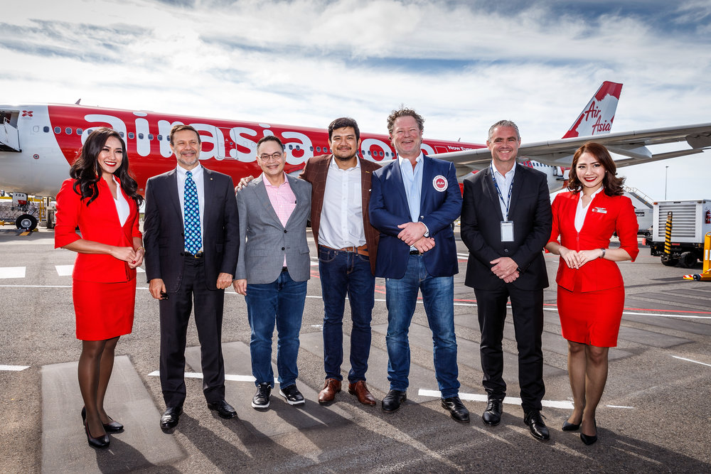 Photo caption:  (L-R) Australian High Commissioner to Malaysia HE Andrew Goledzinowski AM, Group CEO AirAsia X Nadda Buranasiri, CEO AirAsia X Malaysia Benyamin Ismail, Executive Chairman Linfox Airports David Fox and CEO Avalon Airport Justin Giddings flanked by AirAsia Cabin Crew