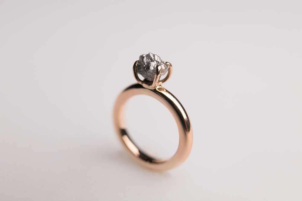 Custom MAde Orders: Engagement ring. 18k rose gold and grey toned rough diamond