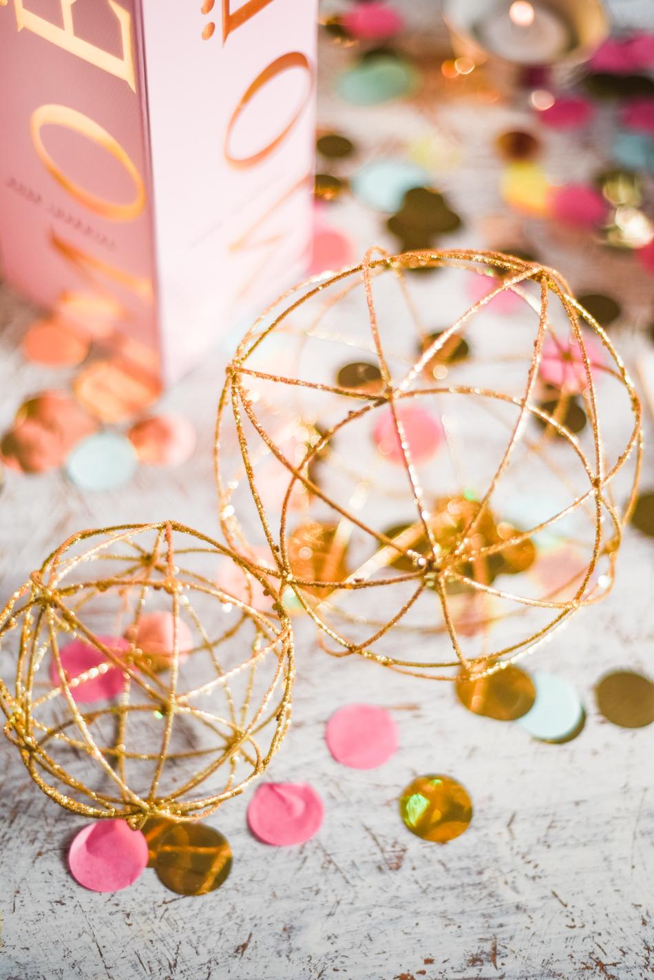Valentinesday-table-setting-decor-styling-AnaisStoelen-4.jpg