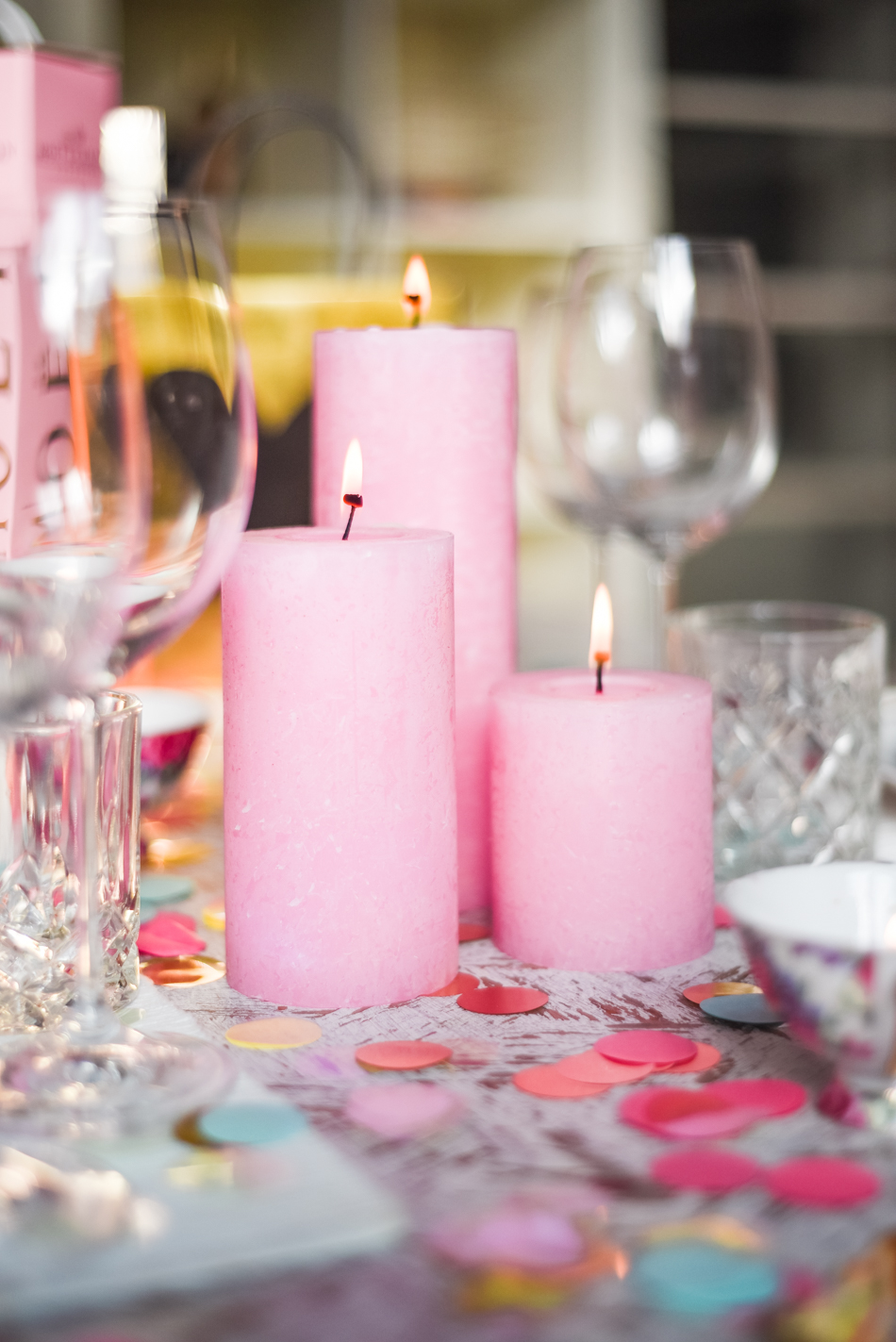 Valentinesday-table-setting-decor-styling-AnaisStoelen-9.jpg