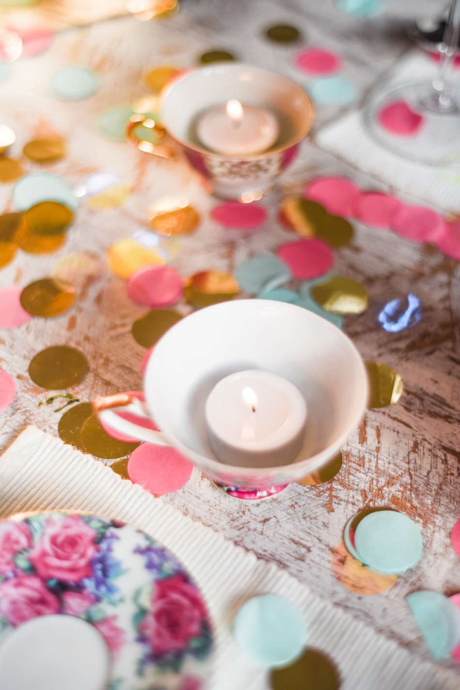Valentinesday-table-setting-decor-styling-AnaisStoelen-11.jpg