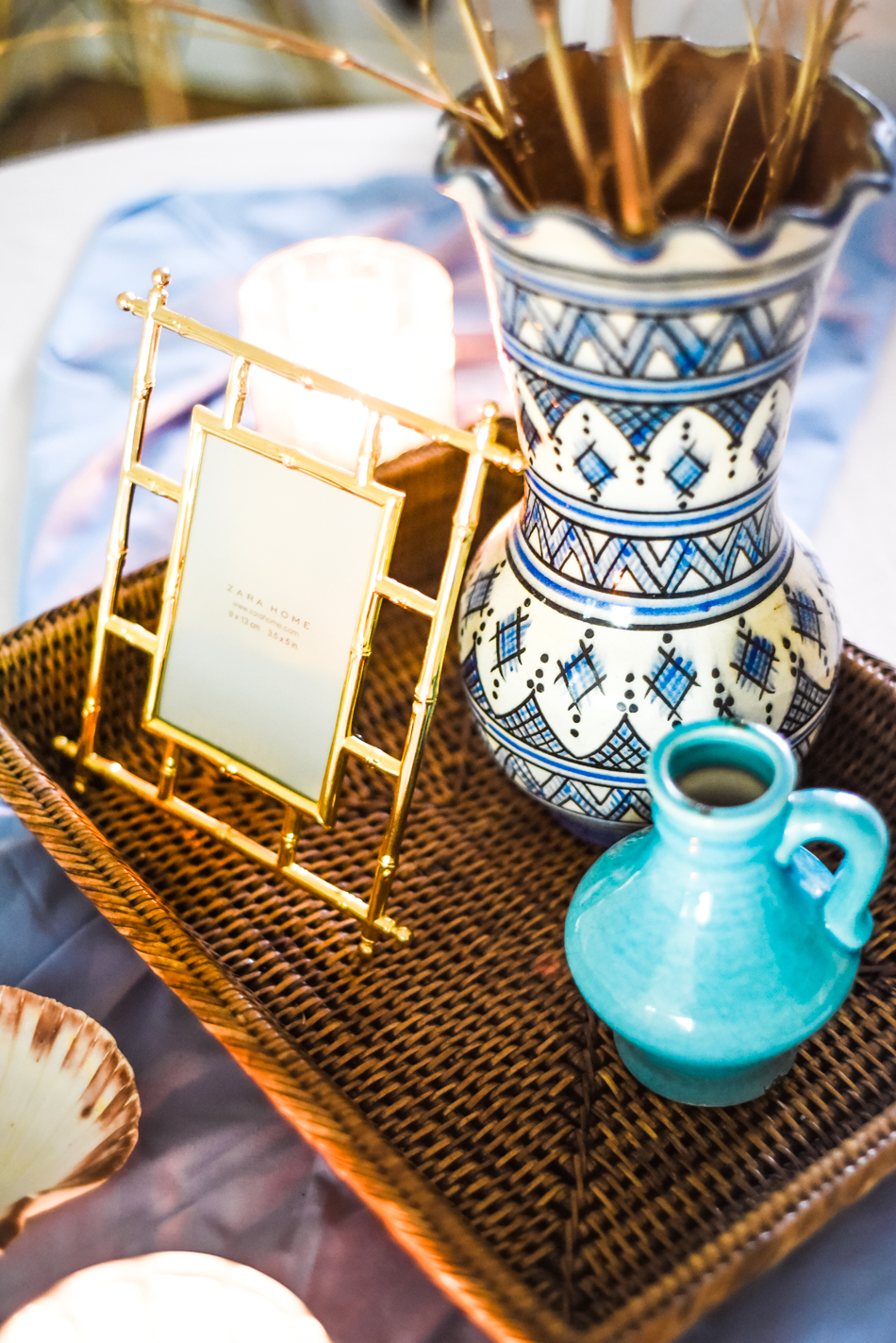 Summer-House-Feeling-With-Blue-and-gold-Decor-AnaisStoelen-18.jpg