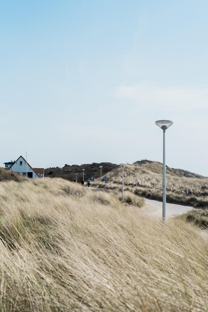 Beach-Shoot-Zoutelande-Anais-Stoelen-2.jpg