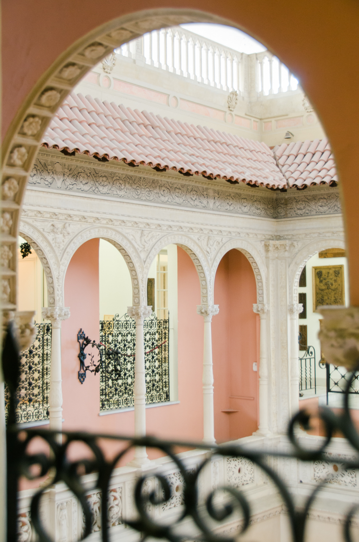 Travel-special-villa-gardens-ephrussi-de-rothschild-anais-stoelen -6.jpg