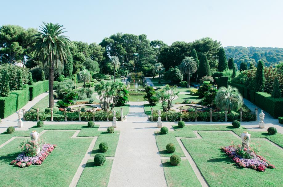 Travel-special-villa-gardens-ephrussi-de-rothschild-anais-stoelen -12.jpg