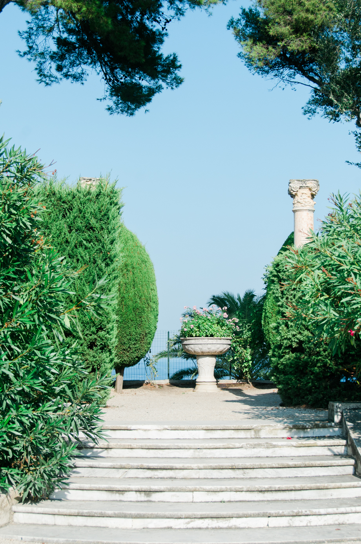 Travel-special-villa-gardens-ephrussi-de-rothschild-anais-stoelen -19.jpg