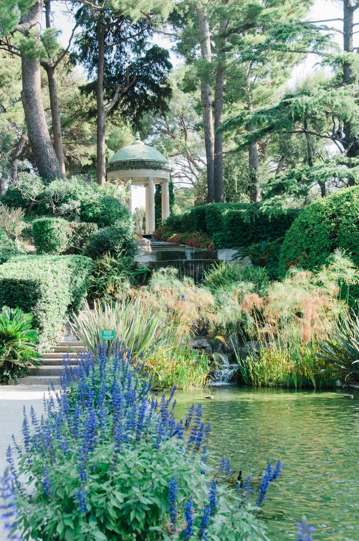 Travel-special-villa-gardens-ephrussi-de-rothschild-anais-stoelen -23.jpg