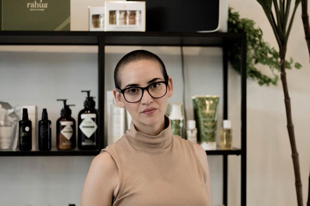 Inne i den superhärliga butiken Amazingy som säljer ekologisk hudvård och naturligt smink.  Foto: Madeleine Persson