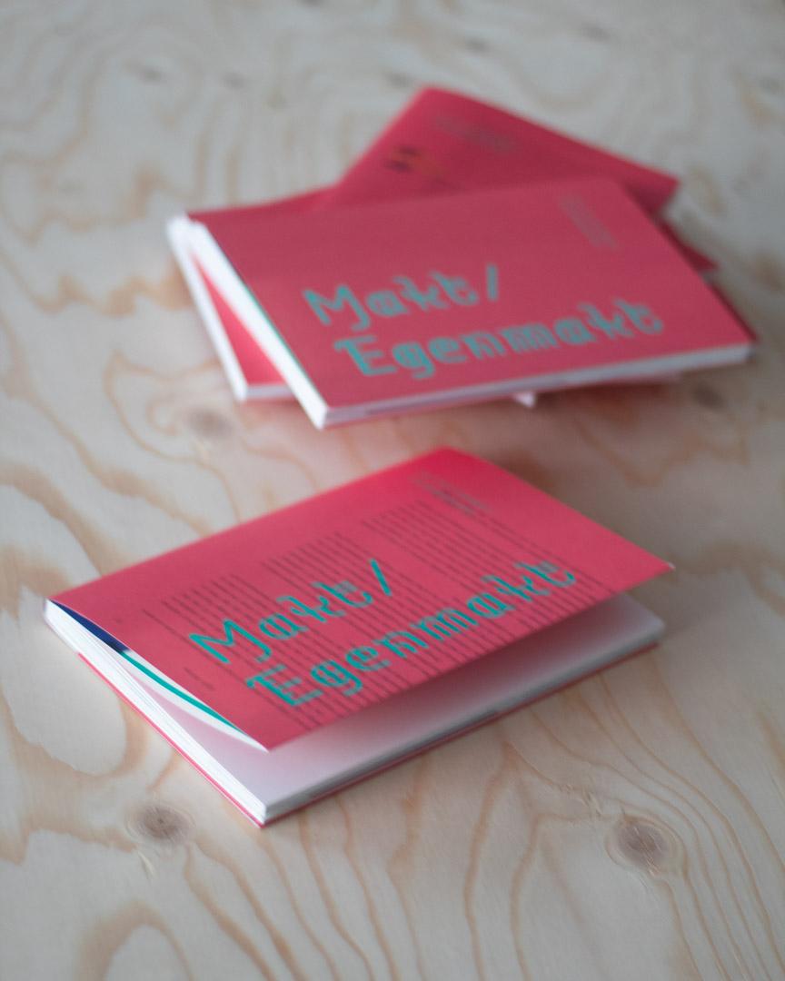 Boken Makt/Egenmakt jag varit redaktör för innehåller texter om designbranschen.
