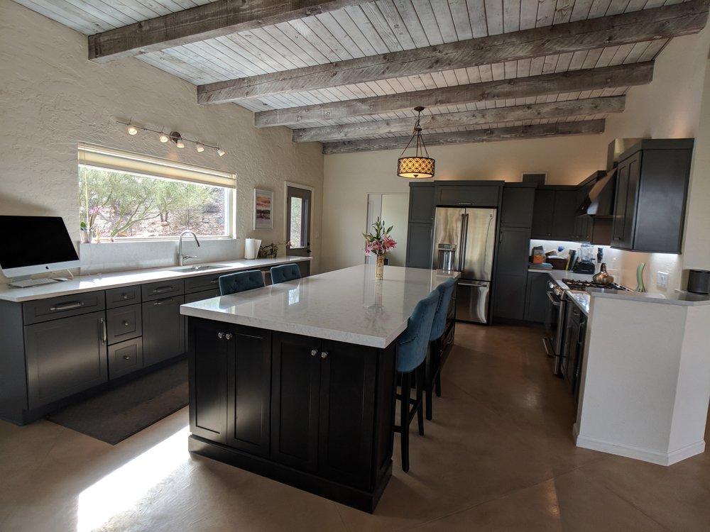 holland-kitchen-quartz-countertop.jpg