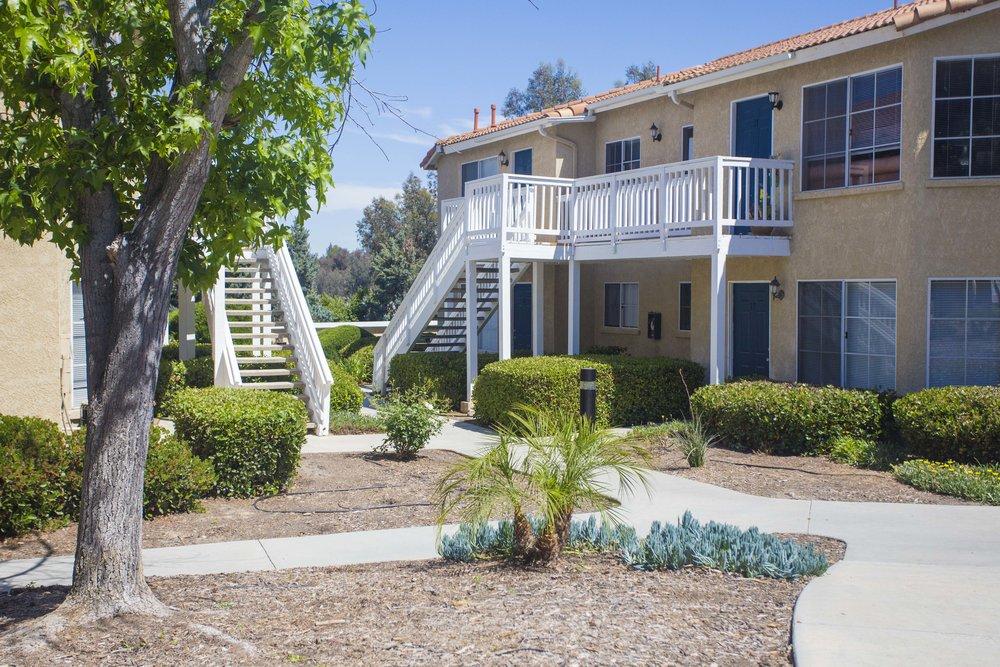 Courtyard walkways at Morning Ridge Apartments