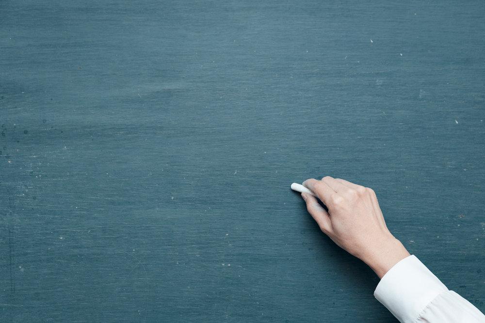 LA FORMATION ET LE COACHING - GRANDIRSuivant les besoins des organismes, le PRO peut offrir diverses formations permettant aux organismes de consolider ou de développer des compétences qui renforceront les habiletés des personnes impliquées au sein de l'organisme (C.A., équipe de travail, bénévoles, etc.).Parmi les formations actuelles offertes,on y retrouve :- Les défis de la gouvernance- Communiquer pour rassembler (comment faire valoir ses actions et ses réussites?) - Les conditions d'une levée de fonds réussiePRO offre aussi un coaching en milieu de travail qui mise sur les capacités des personnes à bien identifier leurs forces et leurs limites et à trouver par elles-mêmes les moyens de réaliser leurs objectifs. Le coach propose, encourage et soutient les personnes qui désirent acquérir des outils et des compétences qu'elles mettront au service de leur développement personnel et de leur environnement de travail.Le coaching peut être offert sur une base individuelle ou de groupe.