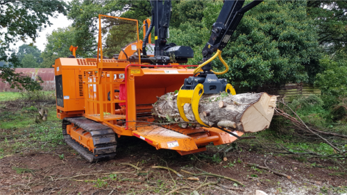 BANDIT XP19 TRACKED CHIPPER WITH CRANE LOADER & OPERATOR AVAILABLE FOR HIRE