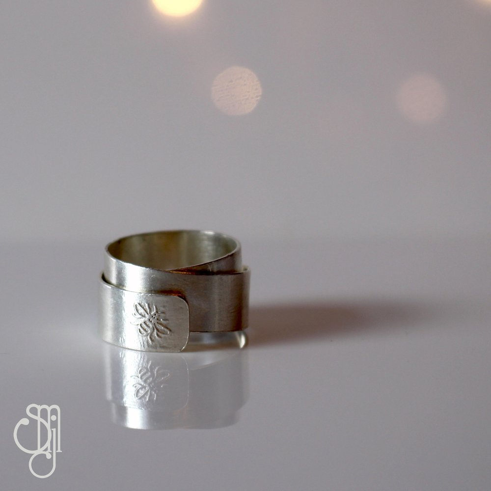 Bee Wrap Ring