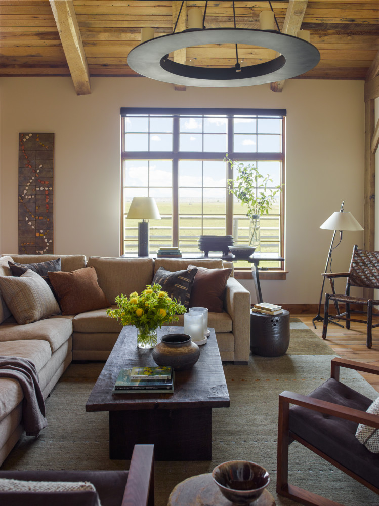 ksd_diamondo1_0522_living_room_darker-749x1000.jpg