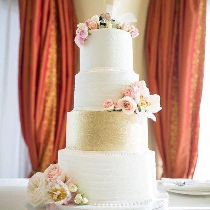 Hyatt cake 1.jpg
