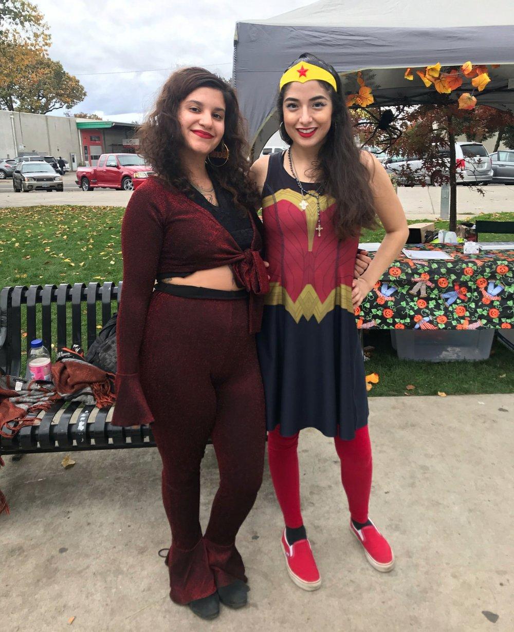 Messa Hernandez & Golden Young - Selena Quintanilla & Wonder Woman