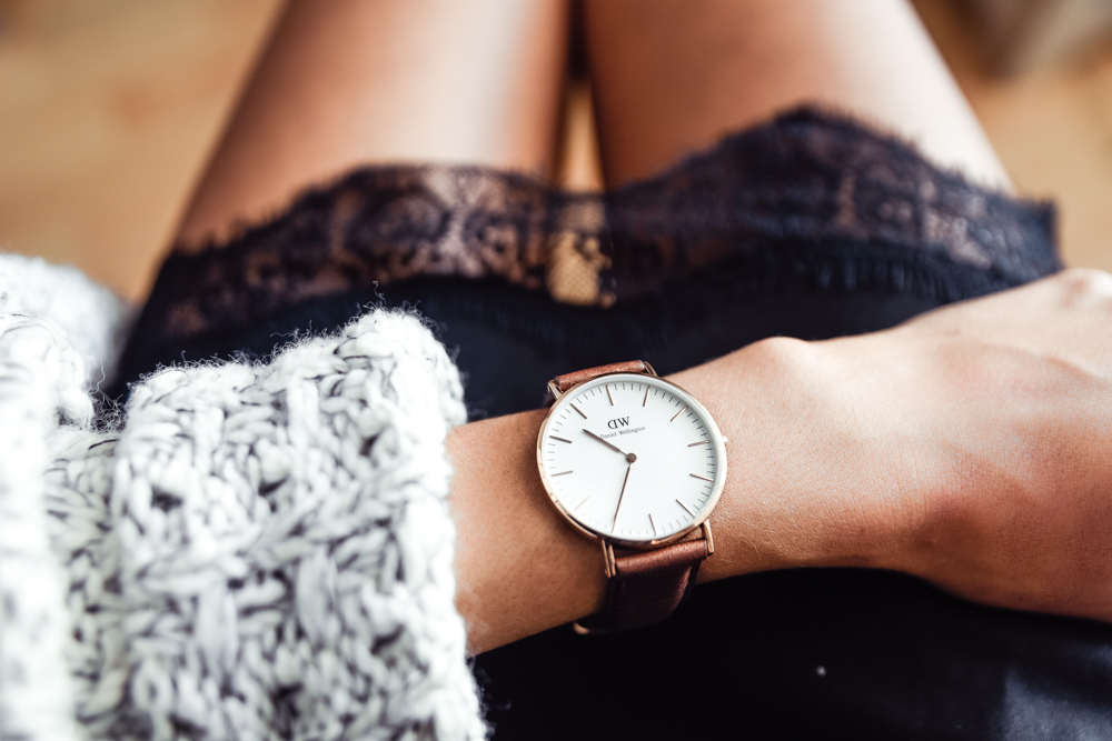 Daniel Wellington Watch - As mentioned in the top 10 Gifts to Get a College Graduate - Men, a watch is something that is often cherished for generations. Help your newly graduated stay punctual through her professional career with a stylish and professional looking watch. Daniel Wellington offers a beautifully minimalist design that can be worn in almost any situation. To see all of the styles they have to offer check out their website here.