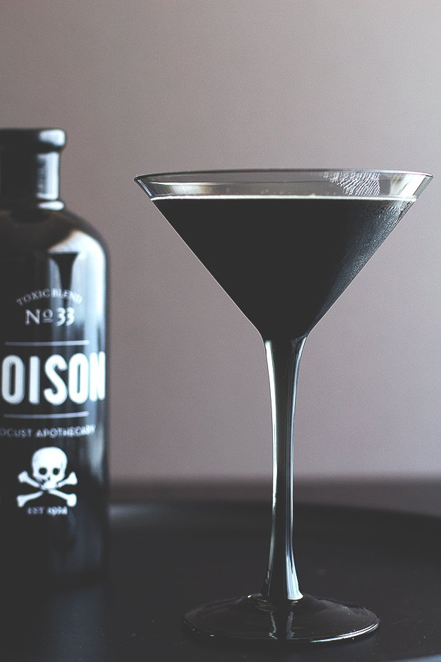 Blackbeard - Squid Ink CocktailIf you're looking for an interesting cocktail this Halloween, you'll have to dive deep. The Blackbeard uses real squid ink to bring out darkness only found at the deepest depths of the ocean.Inspired by one of the most famous pirates to sail the seven seas, the Black beard finds its base in the classic Kraken spiced rum. However, the pitch black brew manages to bring more to the table with the additions of Fernet Branca and Crème de cacao, thus blending some herbal and chocolaty notes into its murky waters.Recipe from HonestlyYUM1 OZ Kraken Rum1/2 OZ Fernet Branca1 & 1/2 OZ Crème de cacao1/8 Teaspoon Squid Ink (Necessary)1/2 OZ Chocolate Stout