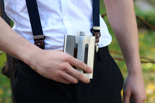 Drink up / dress up ☝️ Did you know you can still pre-order your flask on @indiegogo? ⠀ ⠀ #dividereflask #whiskeygram #mensfashion #mensgear #edc #liveauthentic #wanderlust #fashionblog #productporn #classaf #createcultivate