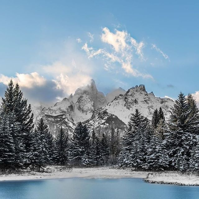 Cold snowy days make for exeptional exploring! ❄⠀ ⠀ 📷 @packtography⠀ #grandteton #theoutbound #lovenature #artofvisuals #landscapephotography #naturephotography #snowday
