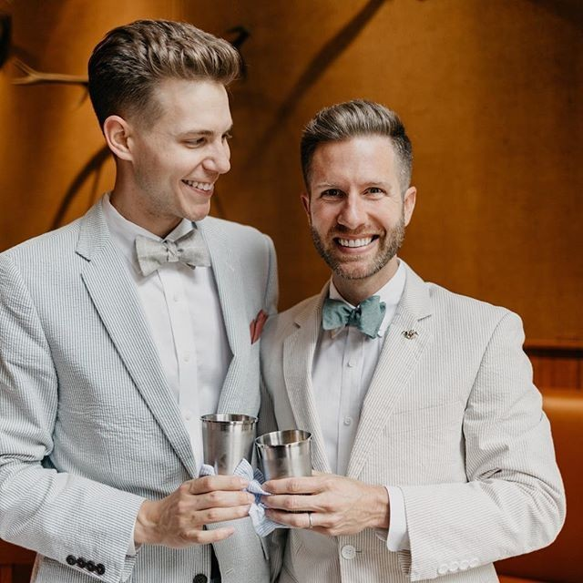 Boys in bowties 🎉 Just one of our favorite things. 📷 @ashsimmons . . . #pensacolaweddingphotographer #derbyparty #mintjulep #bowties #pensacolaweddings #pensacolaweddingvendors #pensacolaweddings #pensacolawedding