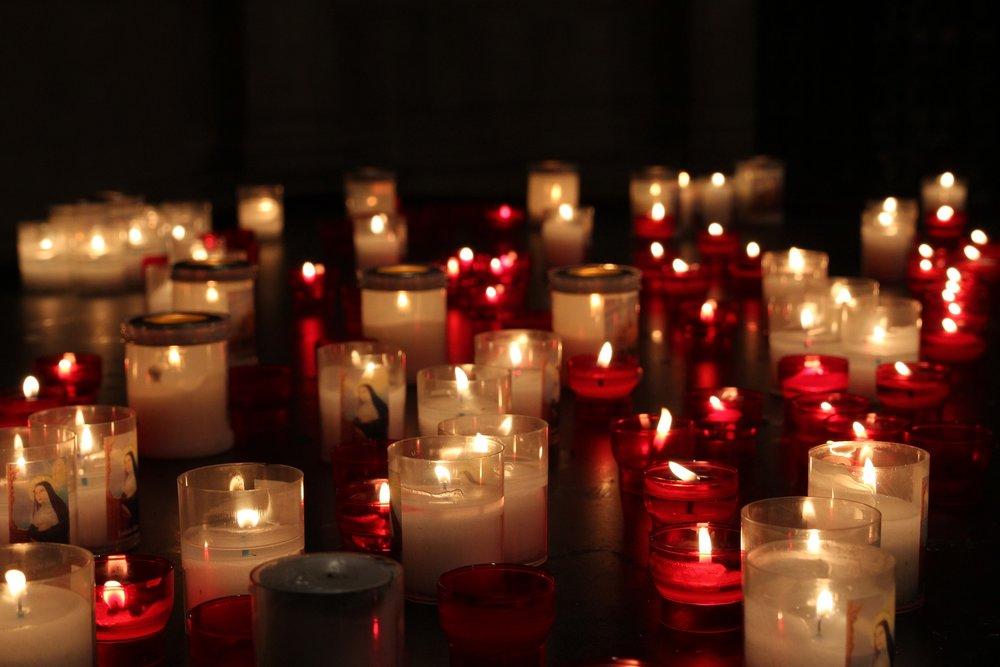 candles-3029875_1920.jpg