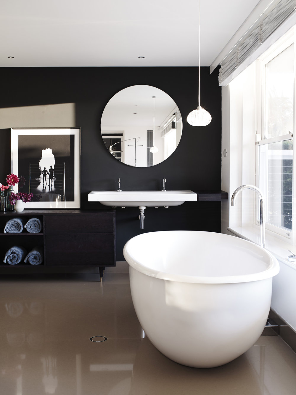 Cronulla House_AmberRoad_Lymesmith_Residential_Resene_Bathroom.jpg