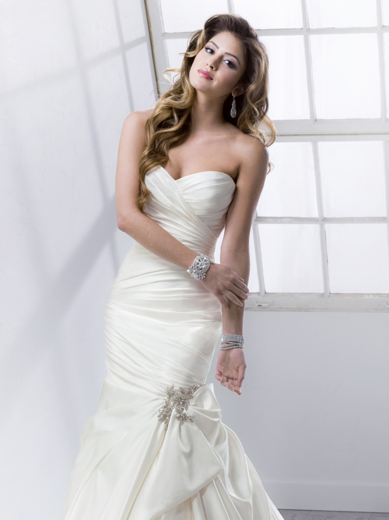 Mira Bridal Couture for MAGIE SOTTERO DESIGNSwww.mirabridal.com