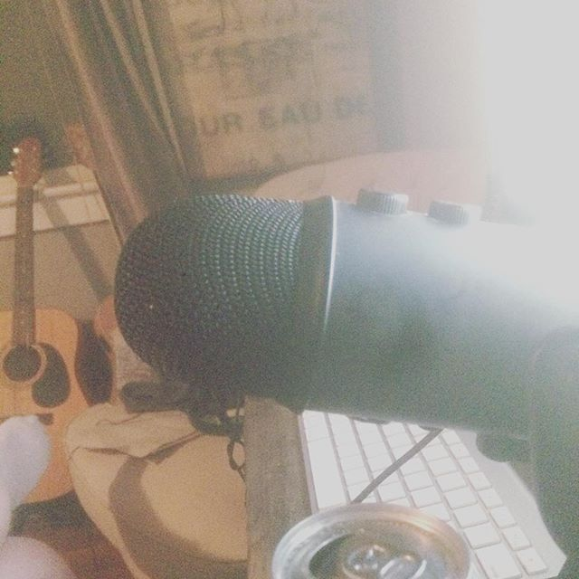 When your expensive mic craps out mid way through production so your left to shit post the night away. #help#music#おんがく#くそ#donewiththisshit