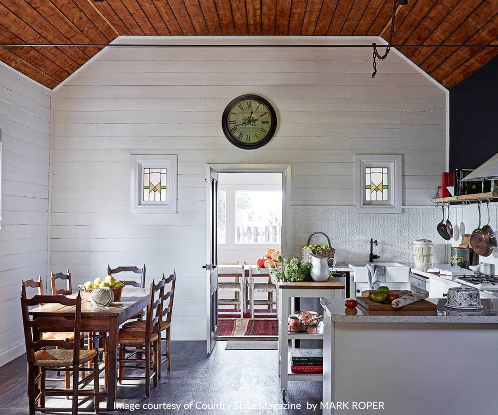 1534810601397_country-kitchen-white-roper-blaylock.jpg