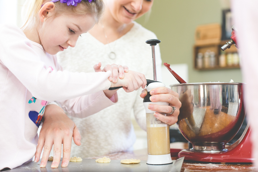 Heirloom Photo Company | Squires make cookies-1-13