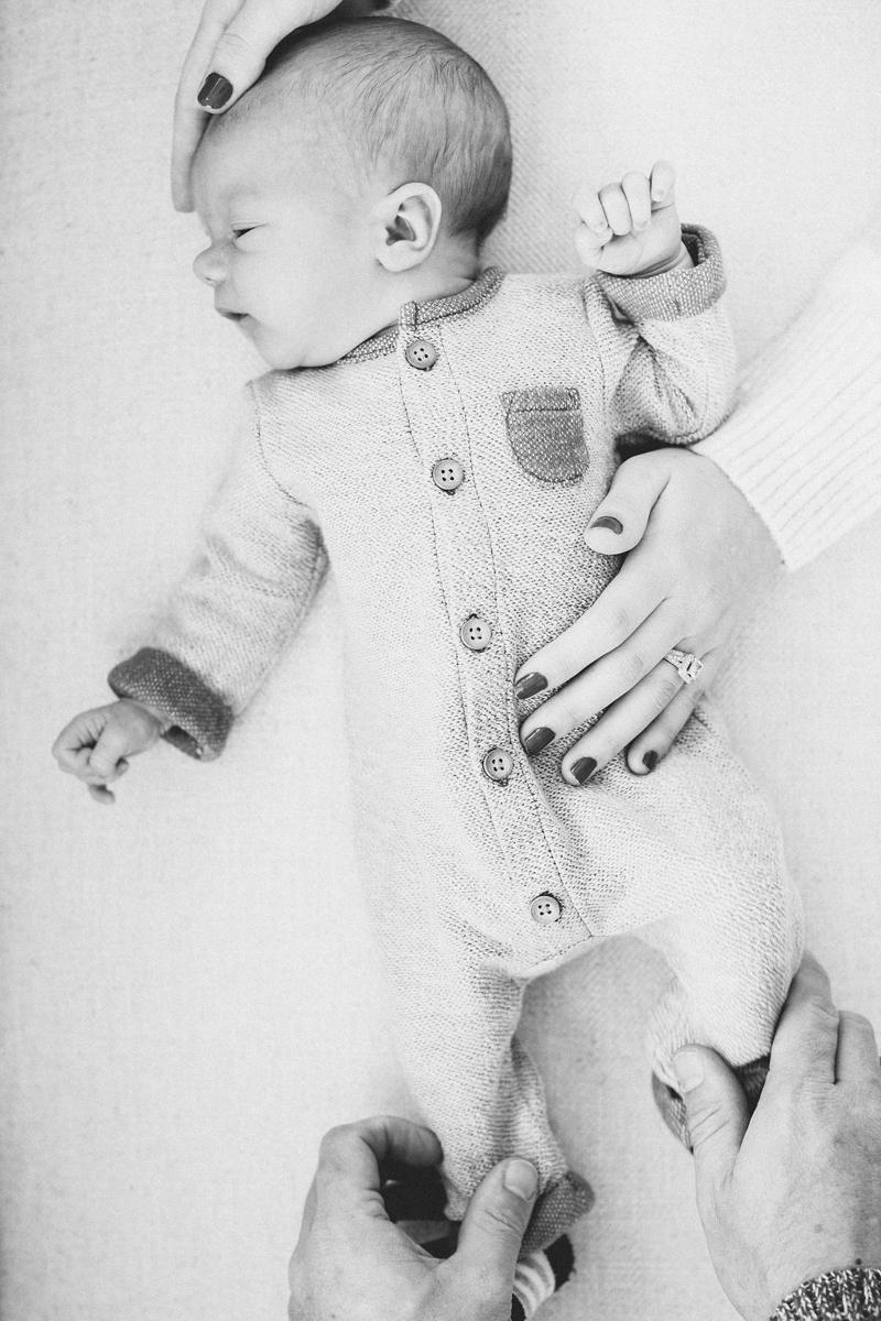 Roy Newborn Lifestyle Blog-12.jpg