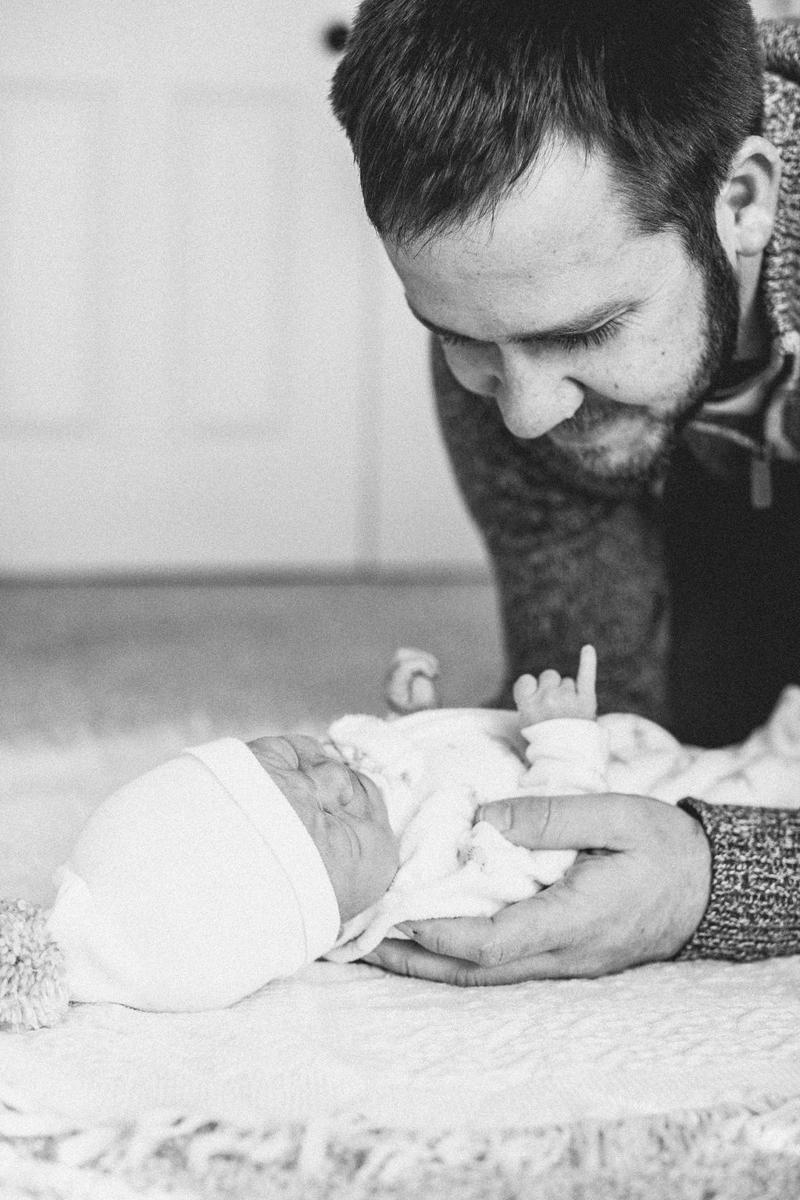 Roy Newborn Lifestyle Blog-17.jpg