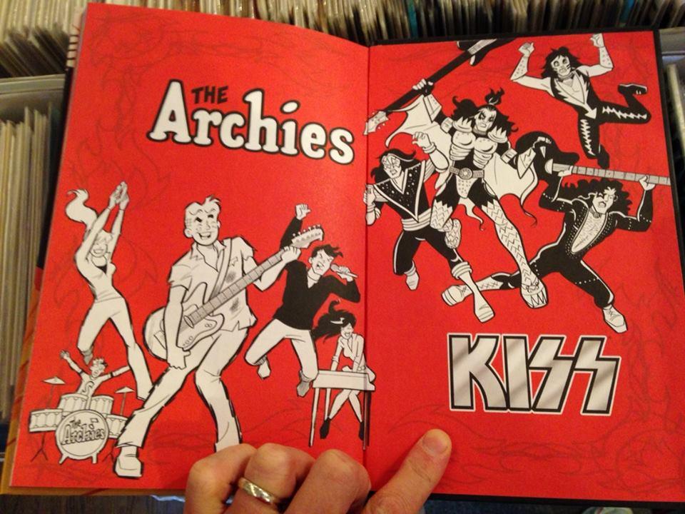 archies-kiss.jpg