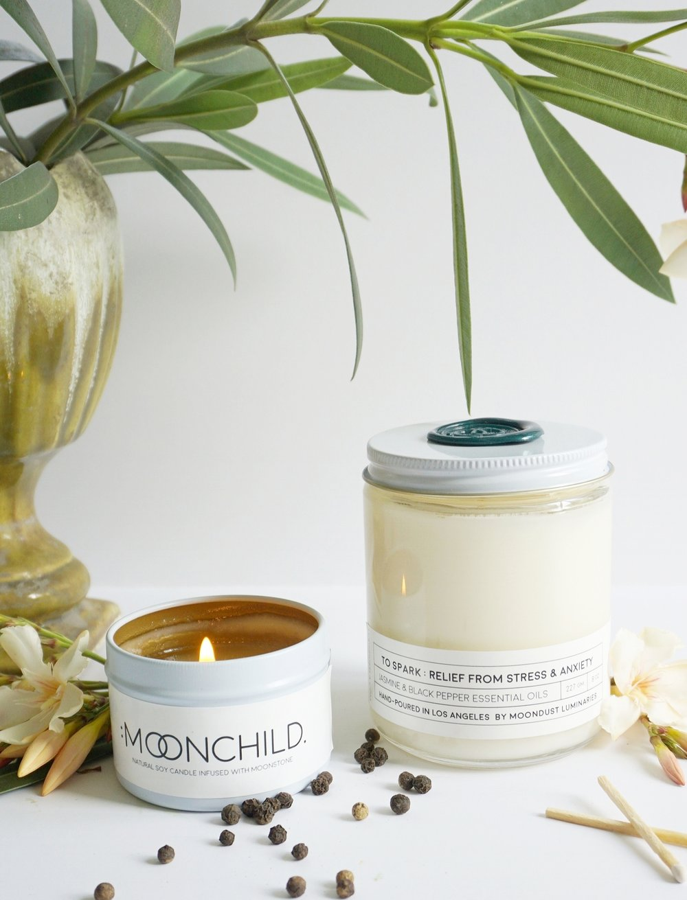 MOONCHILD - A multifaceted fragrance blend that feels at once mysterious & unknown, while also joyful & strangely familiar. Moonchild is the hippie inside us all who longs for a simpler lifestyle & more meaningful connections. Warming black pepper & intoxicating patchouli essential oils are deeply rooted in a woodsy base. The seductive jasmine & playful grapefruit essential oils seem to dance around the honeyed fig top notes.Top: Black Fig, Wild JasmineMiddle: Black Pepper, Fresh CitrusBase: Juniper, Patchouli, Wet Earth
