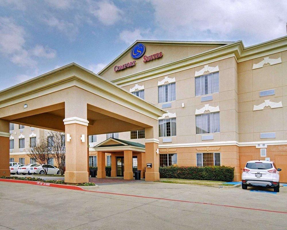 comfort-suites-hotel.jpg