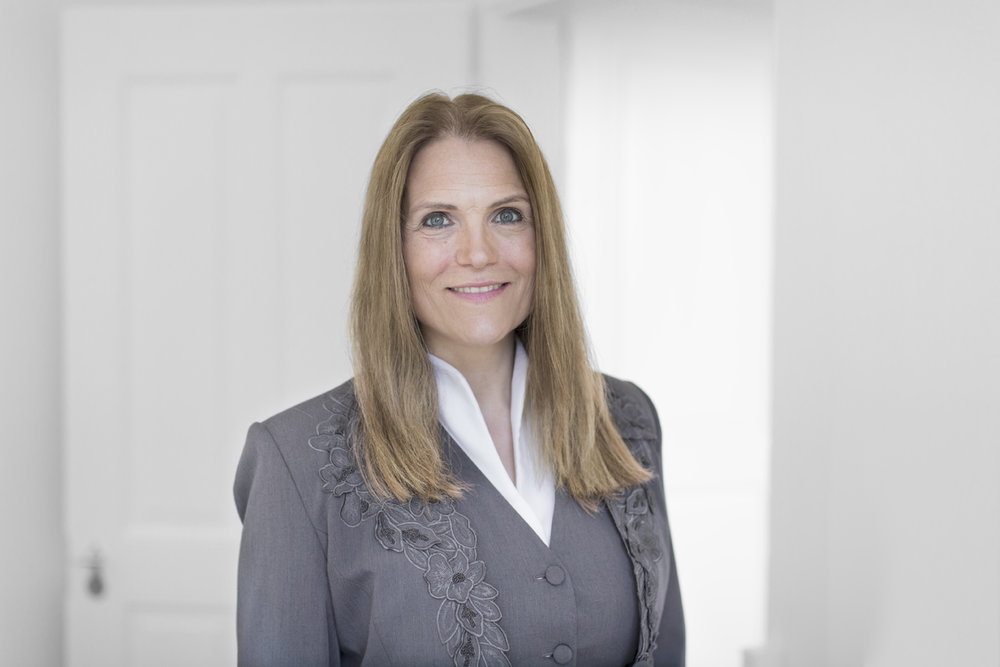 Claudia Steiger - ATTORNEY-AT-LAWMEDIATOR SBACERTIFIED SPECIALIST SBA CONSTRUCTION AND PROPERTY LAWAs an attorney, Claudia Steiger specializes primarily in the field of public law, advising and litigating companies, private individuals and the public sector. As a mediator, she supports parties in independently working out a solution to their conflict.