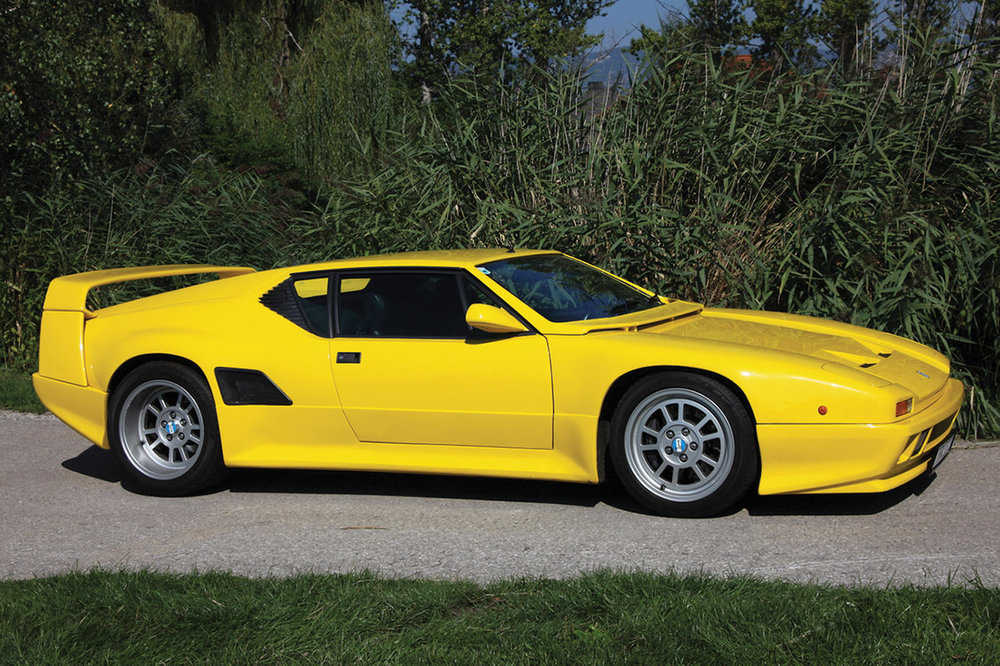 De Tomaso Pantera SI in yellow, side profile.