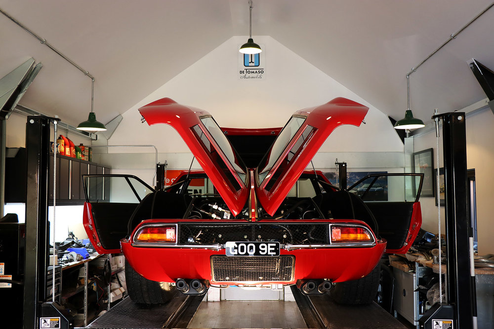 Red De Tomaso Mangusta 2 web.jpg