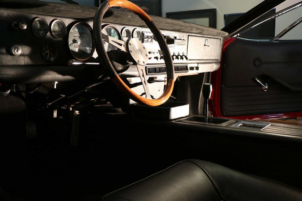 Red De Tomaso Mangusta 5 web.jpg