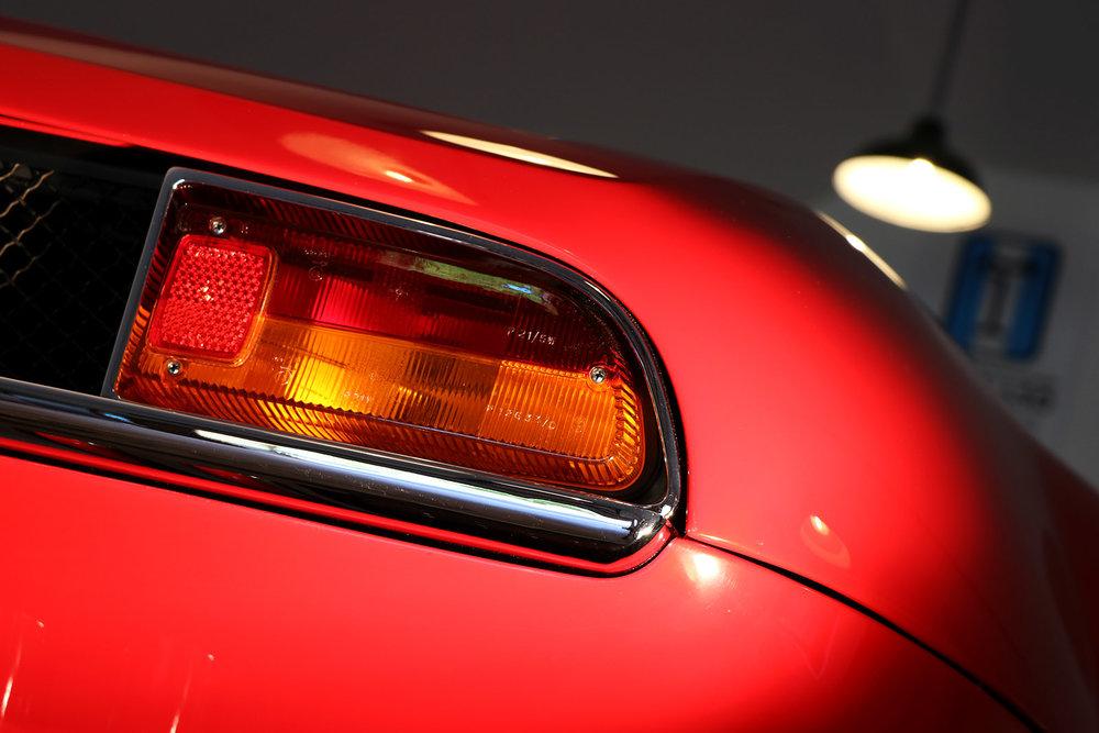 Red De Tomaso Mangusta 6 web.jpg