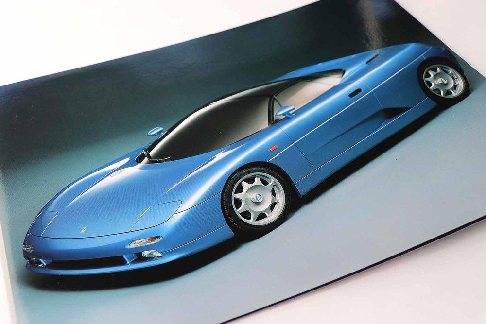 De Tomaso Bigua Brochure front web.jpg
